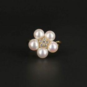 Ladies 18KYG Mikimoto Akoya Cultured Pearl Ring